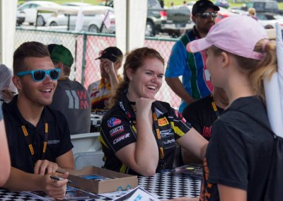 2017 Autograph session for PWC-VIR
